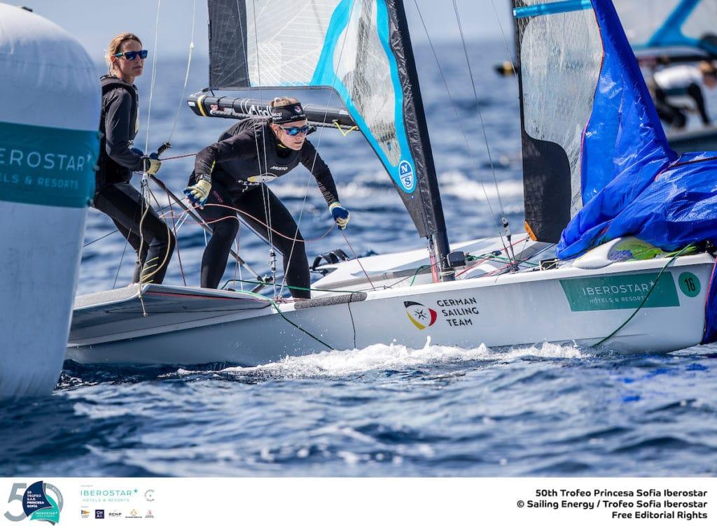 Tina Lutz und Susann Beucke fanden gut in die Woche und beendeten die Regatta auf Platz 7. Foto: Trofeo Princesa Sofia/Sailing Energy