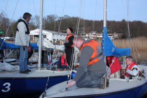 Konzentration während der Prüfungsvorbereitung zum DSV-Segellehrer (Foto: Germar Brockmeyer)