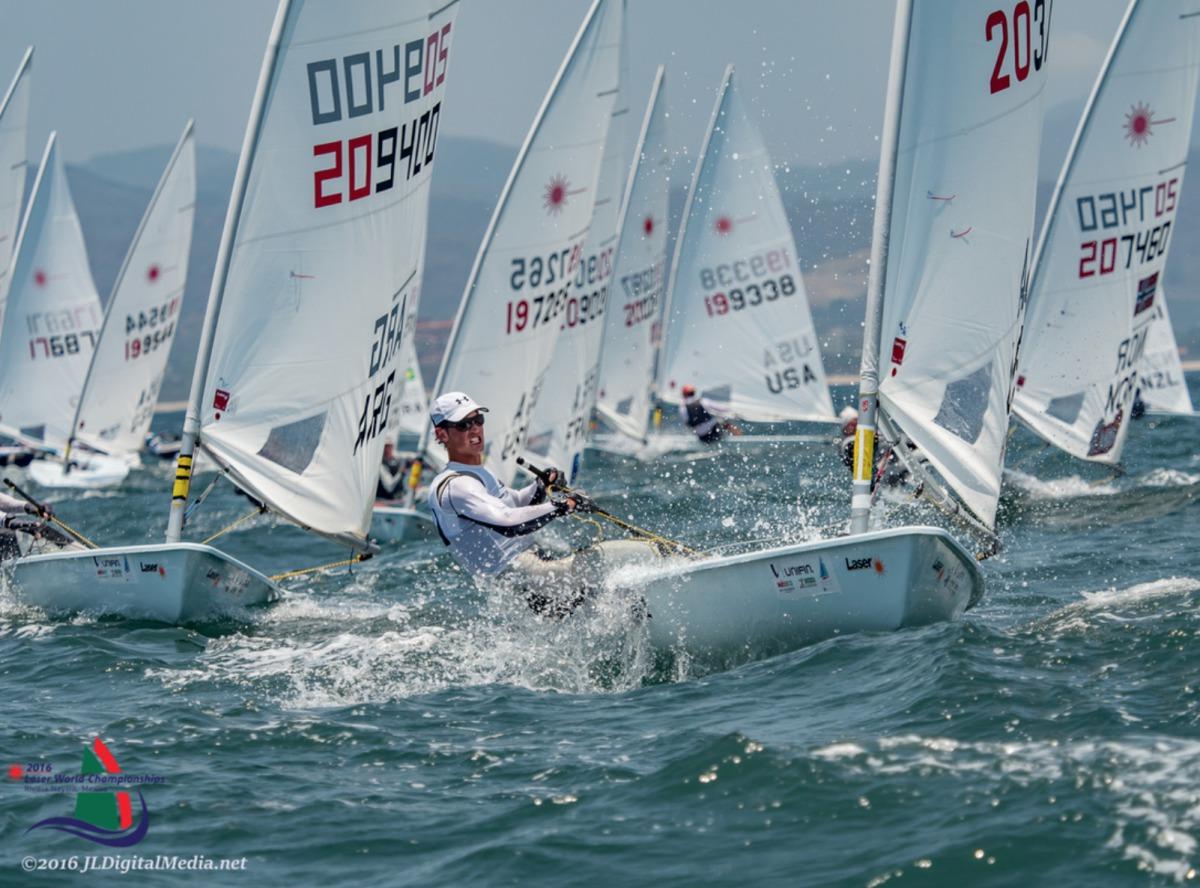 Seit Donnerstag kämpfen 112 Segler aus 44 Nationen an der Westküste von Mexiko in zwei Gruppen um die Qualifikation für die Gold- und Silber-Flotte. Foto: JLDigitalmedia.net