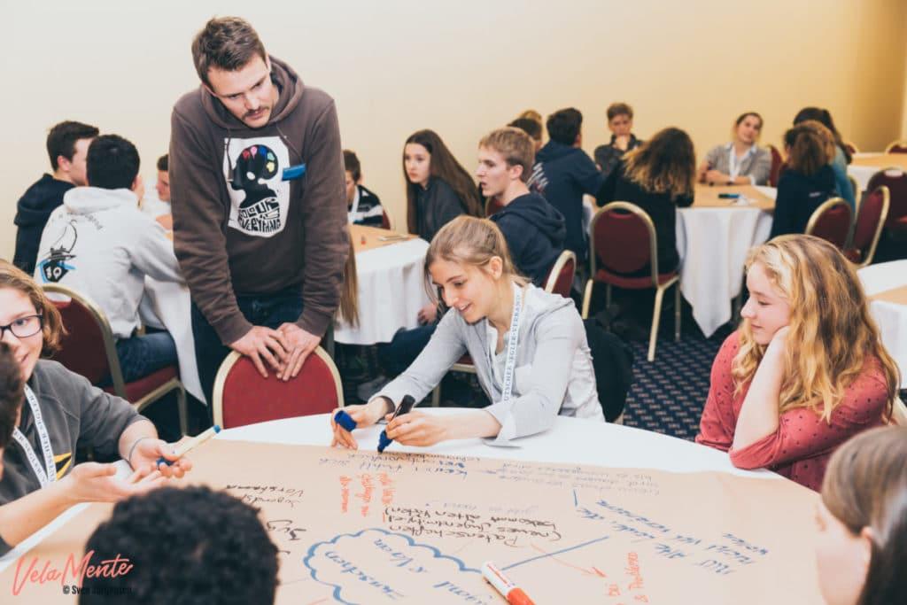 Konzentrieter Arbeit beim Jugendseglertreffen 2017. Foto: Sven Jürgensen