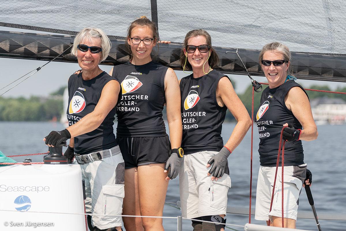 Regatta-Premiere war der Helga Cup für die DSV Rookie Crew: Anke Teschner, Lina teschner, barabara Weselmann und Marion Köhler. Foto: Sven Jürgensen