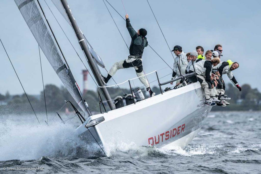 """größte Yacht im Feld war die TP 52 """"Outsider"""" von Tilmar Hansen. Foto: Sven Jürgensen"""