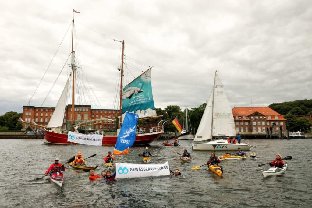 Gewässerretter: Wassersportler treten gemeinsam für saubere Meere, Seen und Flüsse ein. Foto: DSV