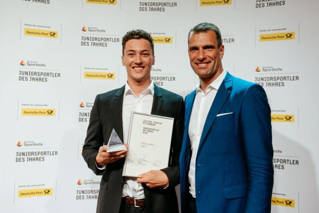 Philipp Loewe mit Dr. Michael Ilgner, Vorstandsvorsitzender der Deutschen Sporthilfe. Foto: picture alliance für Deutsche Sporthilfe