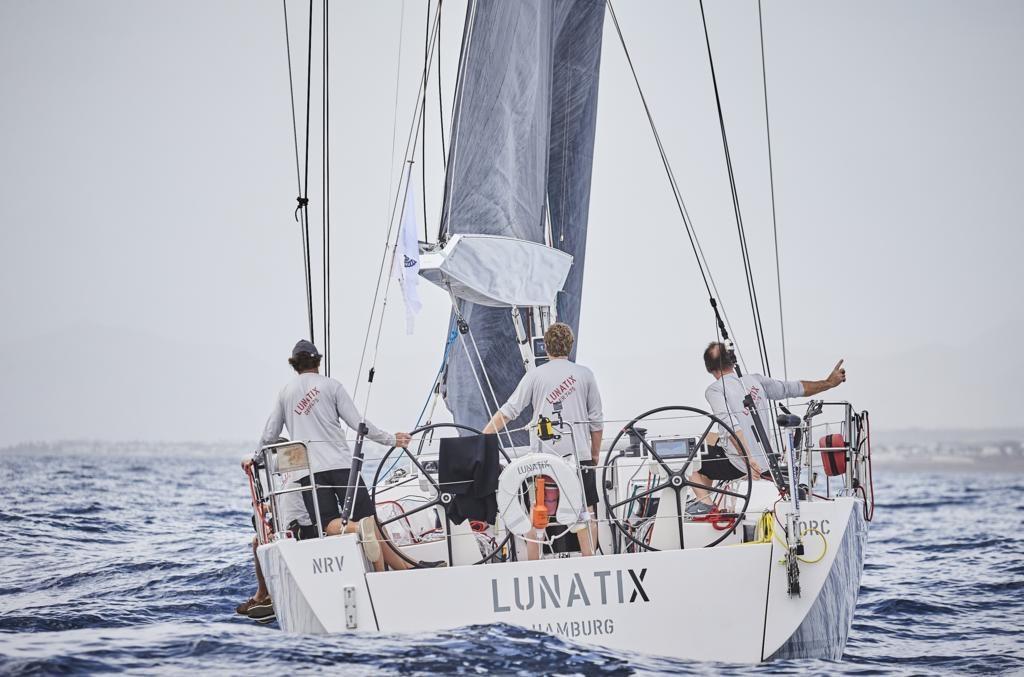 Die Crew der Lunatix beim Atlantic Anniversary Race 2017. Foto: RORC/James Mitchell